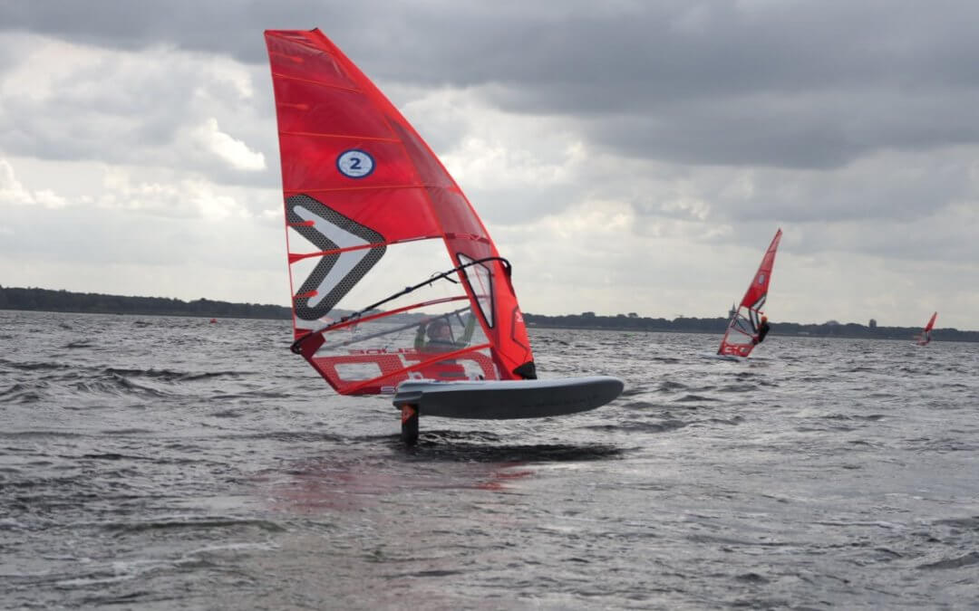 iQFOiL arrives in Holland with Junior and Youth clinic and race